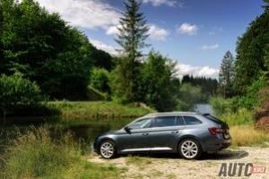 Nowa Škoda Superb Combi 2,0 TDI DSG 4x4 (2015) - galeria zdjęć z testu