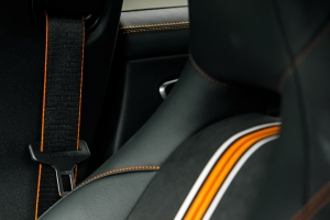 Mercedes-Benz CLA200 Shooting Brake Orange Art Edition [test]