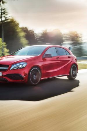 Prawdziwe maszyny sportowe wolniejsze od hot hatcha ze stajni Mercedesa