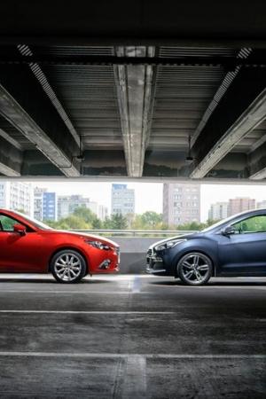 Hyundai i30 Turbo 1.6T vs Mazda 3 2.0 Skyactiv-G - silnik doładowany czy wolnossący?