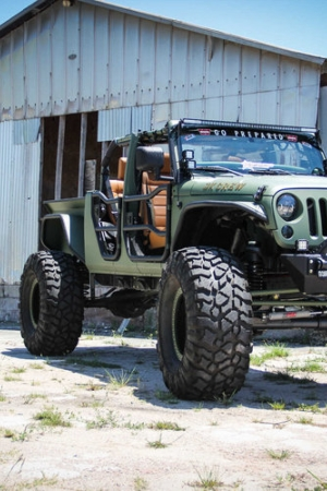 Jeep Wrangler Unlimited Truck Conversion - potwór ze stajni Buiser Conversion