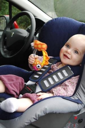 Jak przewozić dziecko samochodem zgodnie z prawem?