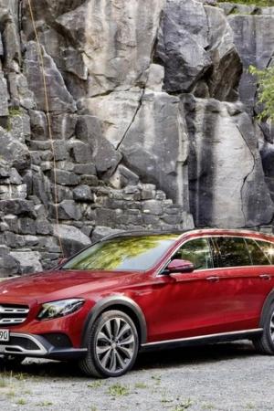 Mercedes-Benz Klasy E All-Terrain powalczy z Audi i Volvo