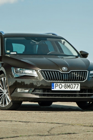 Škoda Superb 2.0 TSI 280 KM Combi Laurin&Klement - zdjęcia