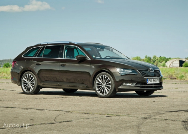 Škoda Superb Combi Laurin&Klement - rodzinne kombi celujące w premium