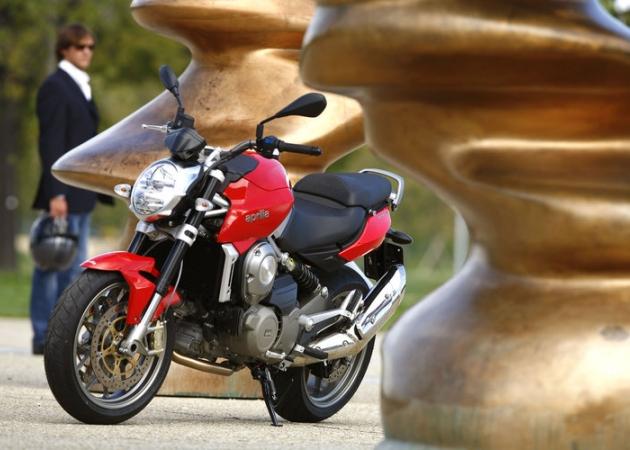 Motocykl z automatyczną skrzynią biegów na tle historii i obowiązujących przepisów
