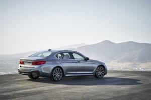 Nowe BMW Serii 5 G30 już oficjalnie. Silniki, dane techniczne, wyposażenie i zdjęcia