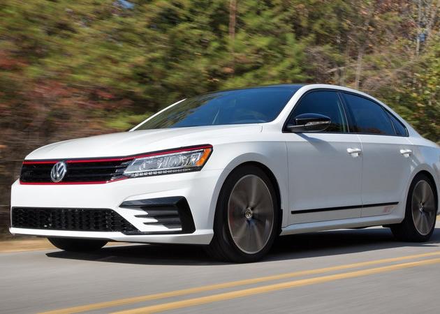 Sportowy Volkswagen Passat z silnikiem VR6 zadebiutuje w Los Angeles