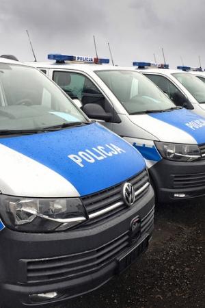 100 Volkswagenów Transporterów w polskiej Policji
