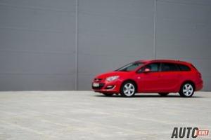 Opel Astra Tourer 1,4 Turbo LPGTEC Enjoy vs. Opel Astra Sedan 1,7 CDTI Business - test [galeria]