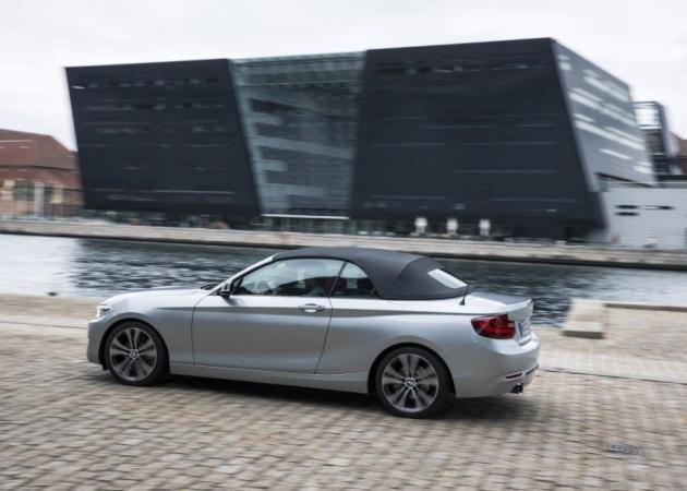 Elegancki, ale przewidywalny. Oto BMW serii 2 cabrio