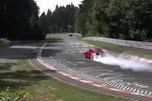 Co robi plama oleju na Nürburgringu?