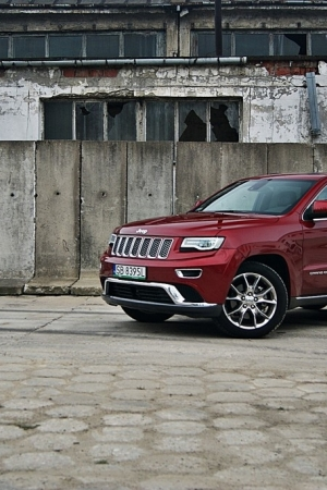 Jeep Grand Cherokee 3.0 CRD Overland Summit – Wayne Rooney wśród aut