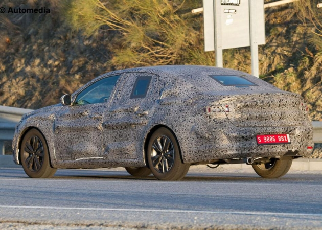 Następca Renault Laguny jeszcze w tym roku?