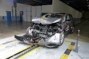 Nowe wyniki testów Euro NCAP (2015): Suzuki Vitara, Renault Espace, Mazda 2, Fiat 500X